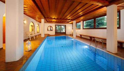 Indoor pool at Pension Haller - Algund