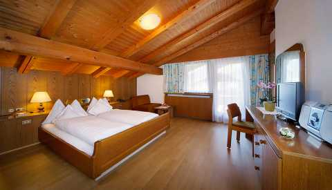 Pension Haller – spacious double room with balcony